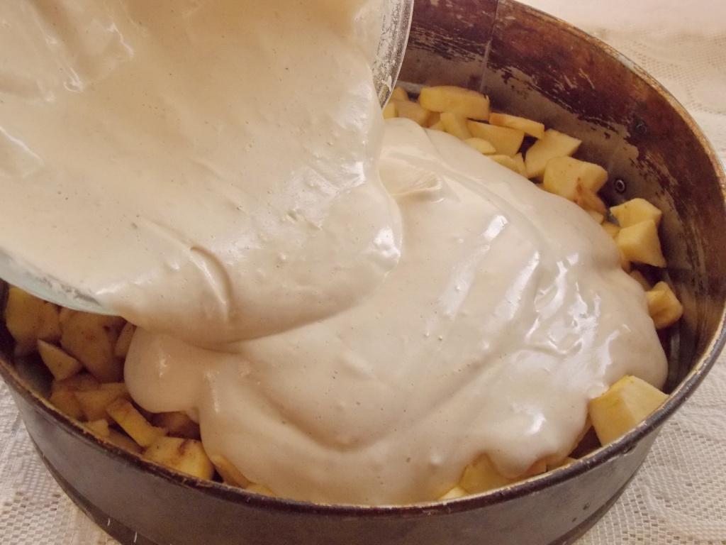 Как делать шарлотку с яблоками рецепт фото